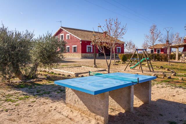 Mesa de ping pong en casa rural villanova, Toledo
