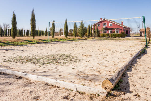 Pista de voley playa en casa rural villanova, Toledo