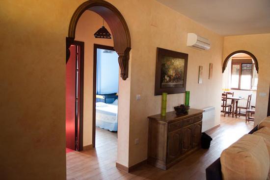 Entrada a las habitaciones planta baja - casa rural villanova, Toledo
